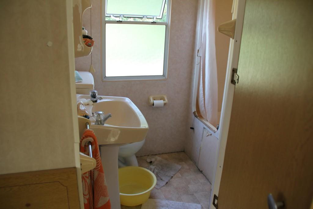 Dušas ir tualetas ir kriauklė