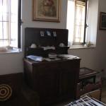Silvio namų interjeras - senovinė komoda.