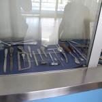 Buvom užsukę į Decenzano ligoninę. Čia senovinių medicininių įrankių mini paroda.