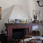 Silvio kaimo namų interjeras - židinys.