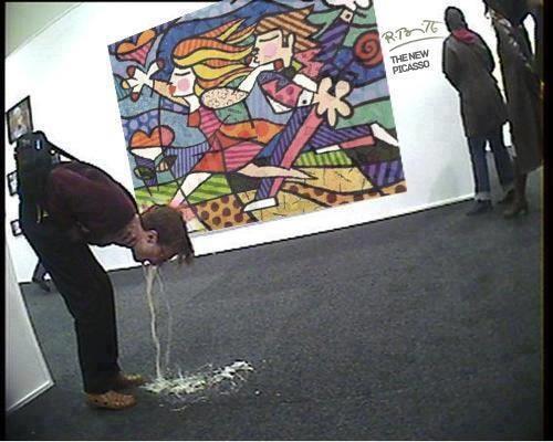 Į meno galerijas vaikščioti pagiringam pavojinga.