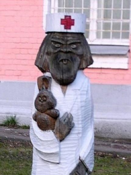 Kuo daugiau žiūriu į šią skulptūrą tuo labiau KPŠ.