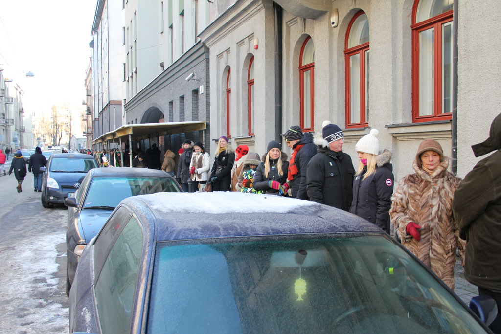 Žmonės susirinkę ~-20 laipsnių šaltyje palaiko Ukrainos žmones!