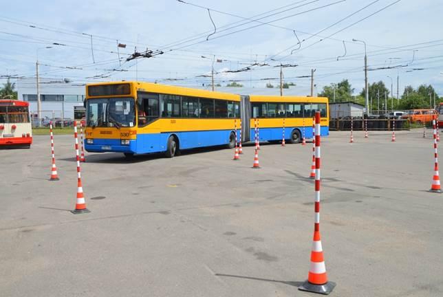 Troleibusų ir autobusų slalomas